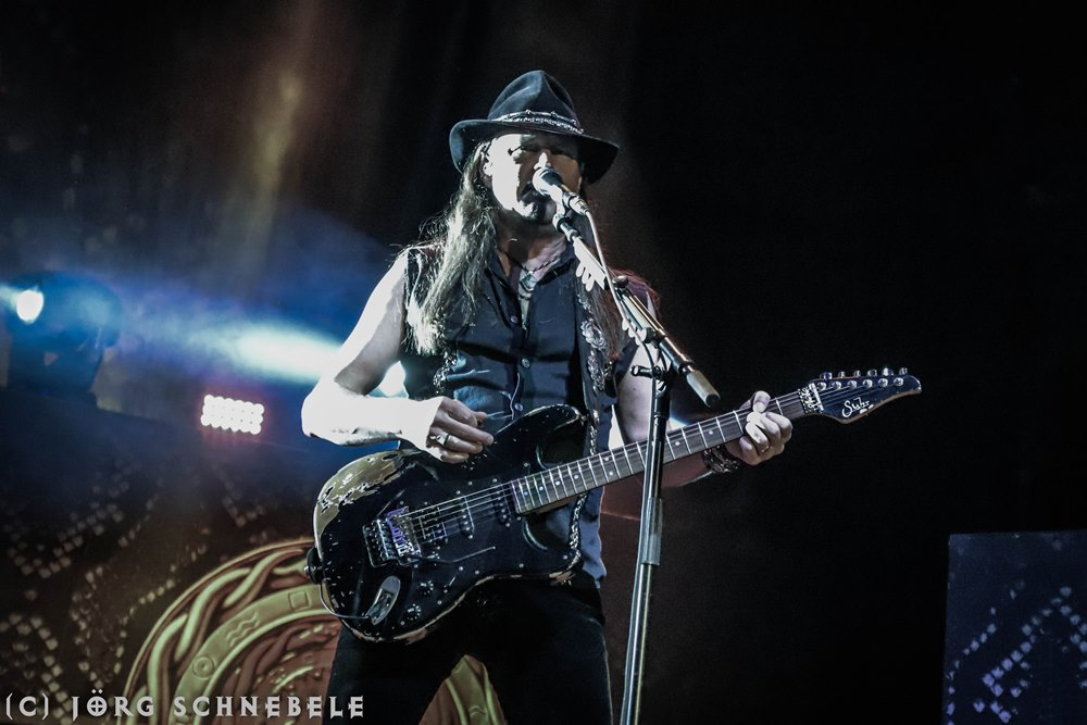 07.07.2019 – Whitesnake live @ Köln Palladium – Hellfire ...